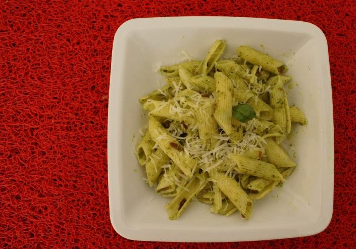 #matkagotuje: Makaron z bazyliowym Pesto z boczkiem