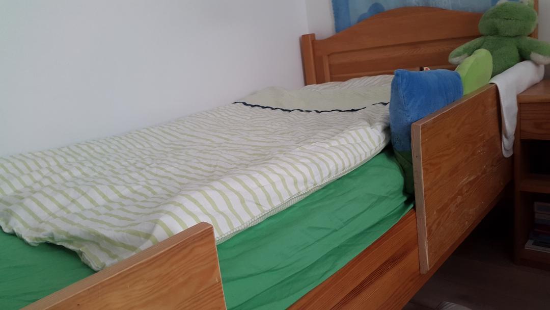 duże łóżko dla dziecka