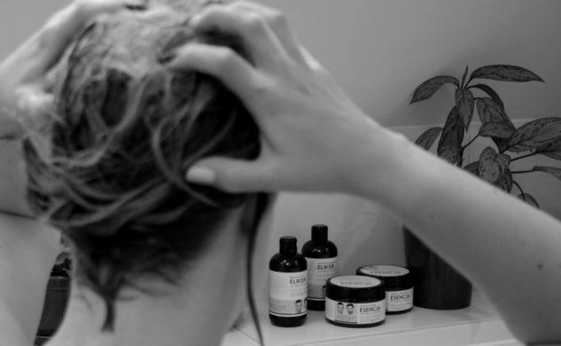Jak dbać o włosy w ciąży i po porodzie.
