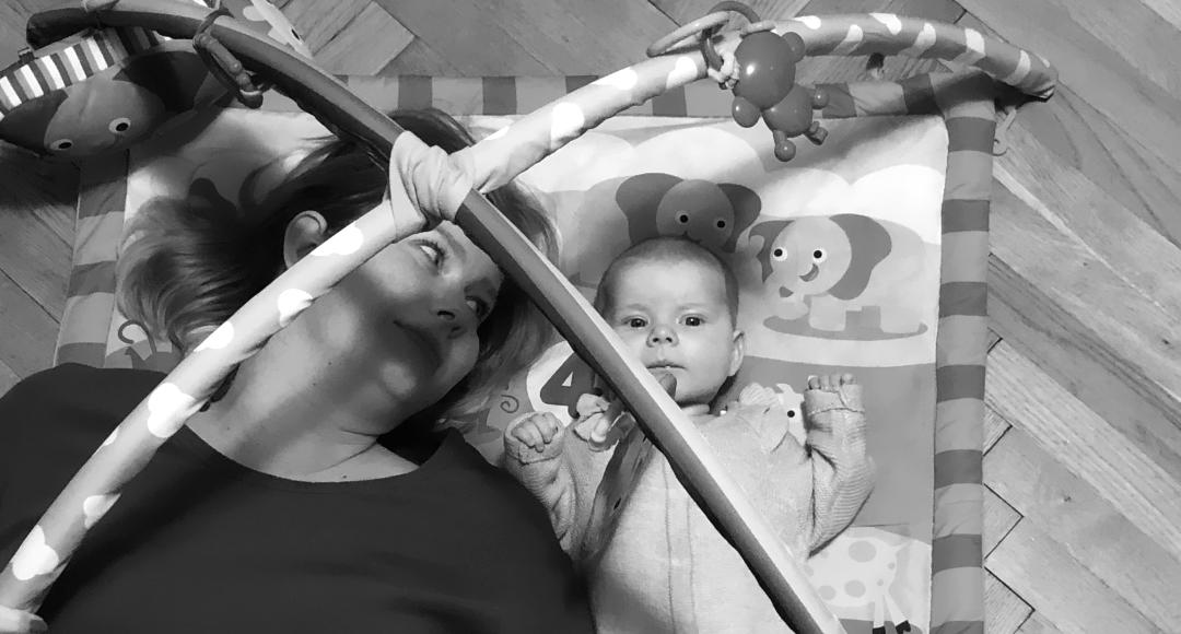 Podstawowe rozrywki Matki niemowlęcia (w pierwszych 3 miesiącach).