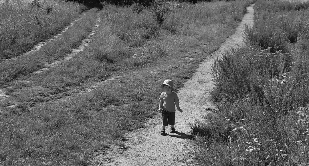 O czym pamiętać idąc na spacer z dzieckiem?