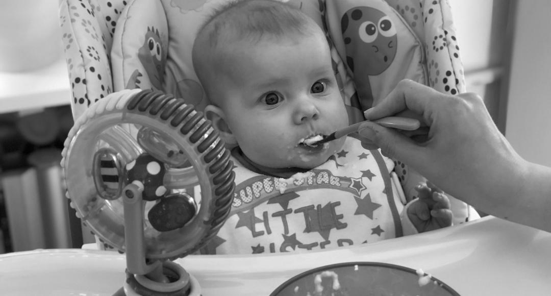 Rozszerzanie diety dziecka – najnowsze zalecenia w 7 punktach.